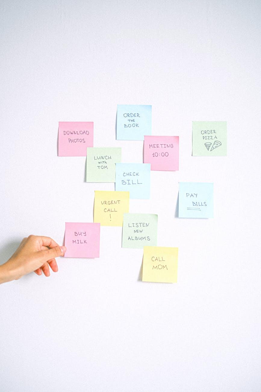 woman business creativity schedule